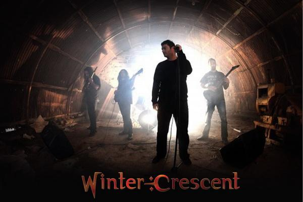wintercrescentfotologo red