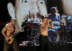 zzred-hot-chili-peppers6-580x415